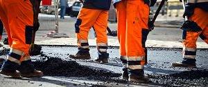 Возможно, в будущем строить дороги будут заключенные